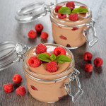 mousse de chocolate con frambuesas